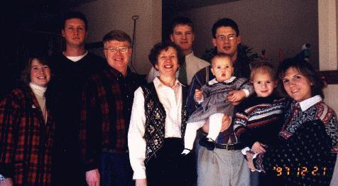family1.jpg (32036 bytes)